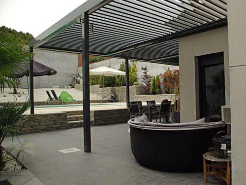 Techos de lamas orientables para verandas techos de - Pergola terraza atico ...